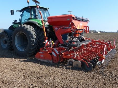 KUHN HR + Venta 1030 såkombination med Seedflex | TBS Maskinpower